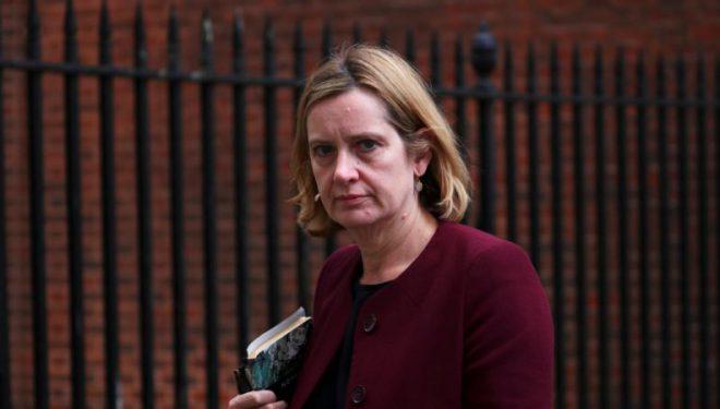 Skandali – Jep dorëheqjen ministrja e brendëshme britanike