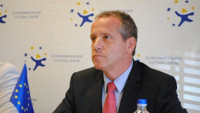 INTERVISTË / Raportuesi për Kosovën në Parlamentin Evropian: S'ka datë për heqjen e vizave