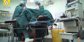 Mjekja kirurge e përkushtuar kreu operim prej pesë orësh, megjithëse e kishte këmbën e thyer (Foto)