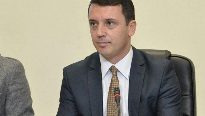 Gashi, Kushtetuesja: Sqaroi se në Kosovë popullin e përfaqëson Kuvendi, e jo Qeveria e Presidenti