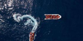 Shpëtohen qindra imigrantë në Detin Mesdhe