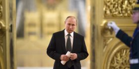 Putin betohet si president i Rusisë