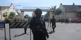 Indonezi, shpërthim në zyrat qëndrore të policisë