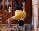 I riu nga Armenia bën pompa me vetëm dy gishta dhe me këmbë të varura në dollap (Video)