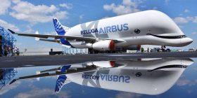 Aeroplanin gjigant e modifikojnë, duket sikur një balenë (Foto/Video)