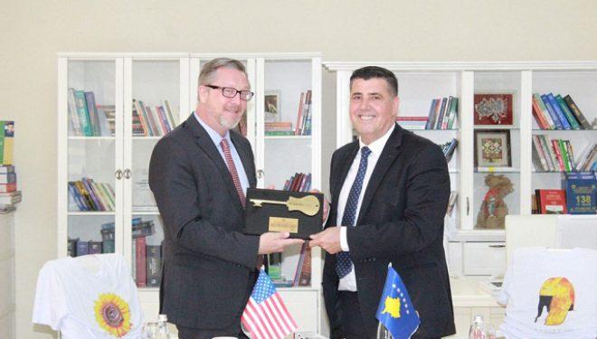Haziri e Hope të përkushtuar që Komuna e Gjilanit dhe USAID të jenë partner të vazhdueshëm
