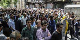"""Ekonomia dhe """"aventurat në Lindjen e Mesme"""" rrezikojnë Qeverinë e Iranit"""
