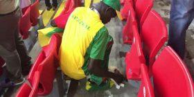 Tifozët e Japonisë dhe Senegalit shembull, pastrojnë stadiumet pas ndeshjeve