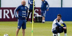 Tensione te kampi argjentinas, futbollistët nuk duan të drejtohen nga Sampaoli kundër Nigerisë
