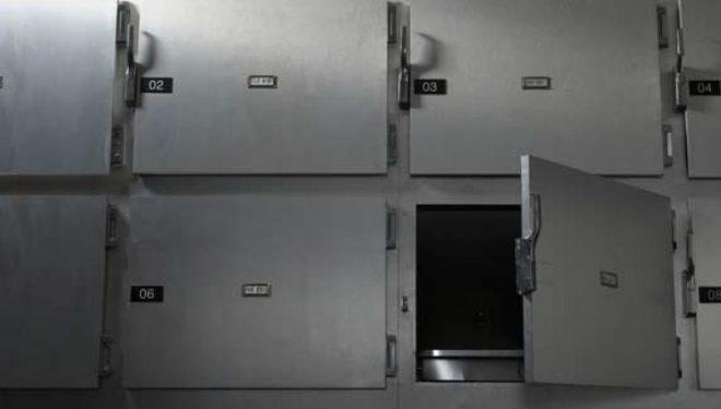 """Punëtori i morgut në Afrikën e Jugut, hapë frigoriferin dhe e kupton që e """"vdekura"""" po merrte frymë"""