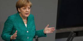 Merkel shmang rënien e Qeverisë