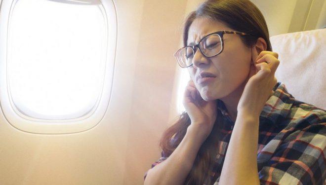 Dhimbja e veshëve: Si ta shmangni zhurmën në avion