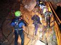 Përpjekje për shpëtimin e djemve në një shpellë në Tajlandë