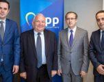 Hoti kërkon mbështetjen për vizat nga kryetari e EPP-së
