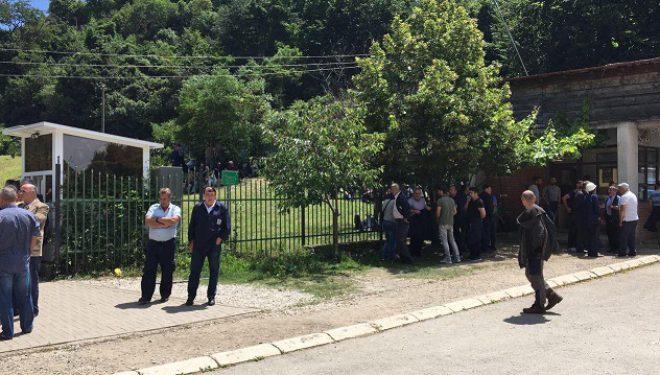 Minatorët vazhdojnë grevën, kërkojnë t'i vizitojë Haradinaj