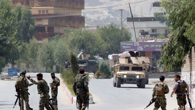 Afganistan, disa të vrarë në një ndërtesë qeveritare