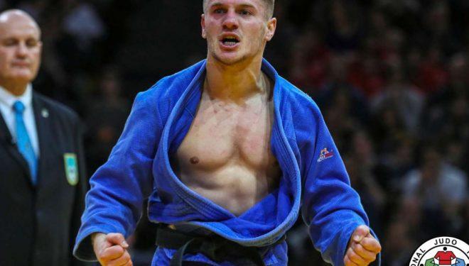 Akil Gjakova mposhtet por mbetet në garë për medaljen e bronztë