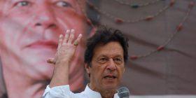 Imran Khan i fiton zgjedhjet në Pakistan
