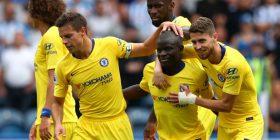 Chelsea i Sarrit e nis sezonin e ri me fitore bindëse në udhëtim te Huddersfieldi