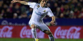 Luka Modric: Kritikat nuk ndikojnë te Ramos