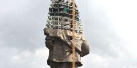 Po merr formë statuja që do jetë më e larta në botë (Foto)