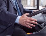 Shoferi i autobusit në Paris gjen 16 mijë euro, i dorëzon në polici