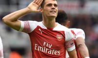 Formacionet Liverpool-Arsenal, Xhaka titullar