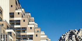 Ndërtesa bizare në formë piramide (Foto)
