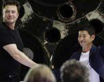 SpaceX prezanton turistin e parë që do të fluturojë drejt hënës (Foto)