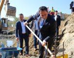 Matoshi e Jashari përuruan fillimin e punimeve në rregullimin e shtratit të lumit Klina në Skenderaj