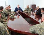 Ministri Berisha takoi pjesëtarët e FSK-së nga radhët e komunitetit serb