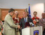 """Haradinaj: Ansambli """"SHOTA"""" është identitet kulturor i vendit"""