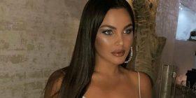 Françeska Jaçe pozoi foton me gjoksin jashtë, Kejvina Kthella e ngacmon me këtë koment