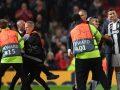 Pritja e madhe që iu bë Ronaldos në rikthimin e dytë në Old Trafford – pushtime të fushës, selfie dhe duartrokitje pa fund për portugezin