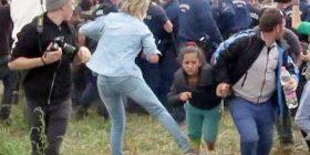 Gjykata e lartë hungareze ka dhënë vendimin final, për kameramanen që rrëzoi refugjatët (Video)