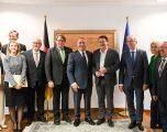Haradinaj takohet me deputetët e Parlamentit Gjerman, flasin për vizat e dialogun