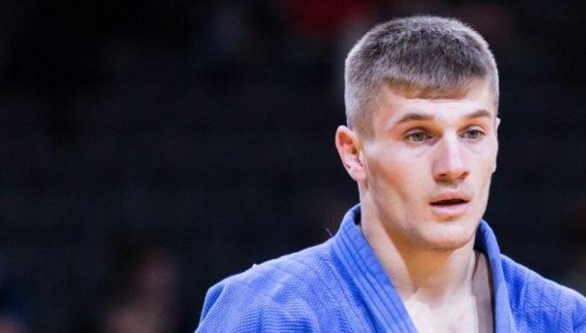 Akil Gjakova mbetet pa medalje në Tokio, pas humbjes ndaj Orujov