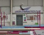 Atleti britanik theu rekord në kërcim së largu, nga njëra shufër paralele në tjetrën (Video)