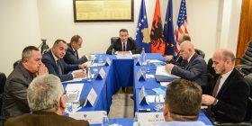 Lekaj i njoftoi kryetarët dhe përfaqësuesit e komunave lidhur me projektin e autostradës së Dukagjinit