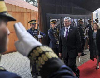 Kosnett kundër idesë së Haradinajt për Konferencë, thotë se do të hapte çështjen e pavarësisë