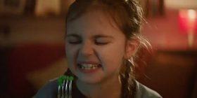 """""""Haji për t'i shkatërruar"""": Inkurajim për fëmijët, që të hanë sa më shumë perime (Video)"""