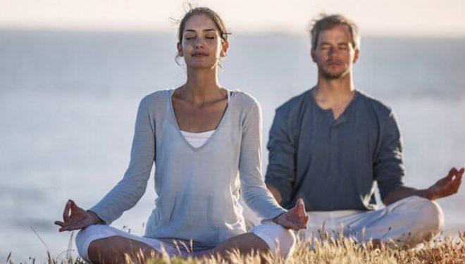 Përfitimet shëndetësore që i sjell meditimi