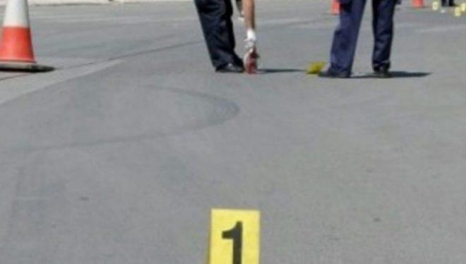 Një grua goditet nga kamioni në magjistralen Prishtinë-Pejë