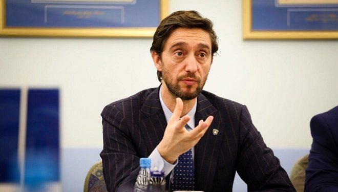 Uran Ismaili dorëzon mandatin e deputetit: Do të jap gjithçka kam që t'i përkushtohem vetëm Prishtinës