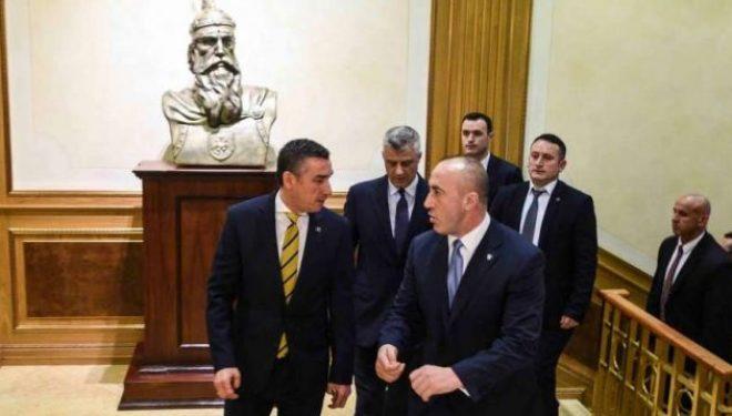 Haradinaj akuzon Thaçin e Veselin se e kanë dobësuar pozicionin e Kosovës karshi Serbisë