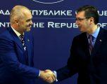 Rama falënderon Vuçiqin për lejimin e kalimit të kamionëve nga Kosova drejt Serbisë, së bashku do të fitojmë luftë