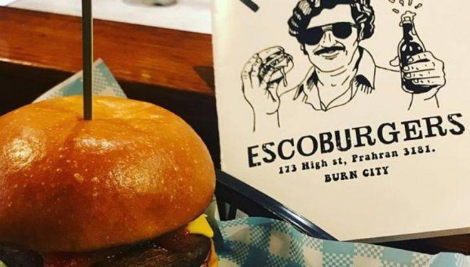 Menyja Pablo Escobar, shërbejnë hamburgerë më kokainë të rrejshme dhe bankënota 100 dollarëshe fallso (Foto)