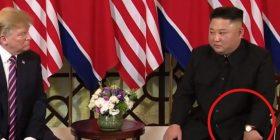 Pse Kim po e mbante njërën dorë në një pozitë të tillë, gjatë takimit me Trump? (Foto/Video)