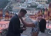 Befasohet nga propozimi për martesë, reagoi e gëzuar derisa pranonte unazën (Video)