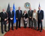 Ambasadori amerikan z. Philip S. Kosnett vizitoi Policinë e Kosovës